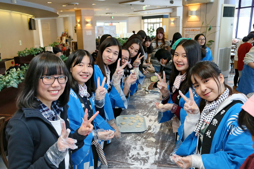 http://www.sapporo-koshi.jp/topics/up_images/2017mochi_03.jpg